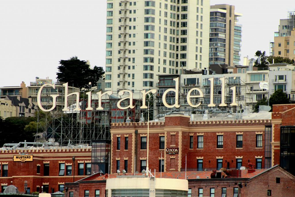 Ghirardelli Square in San Francisco | Footsteps of a Dreamer