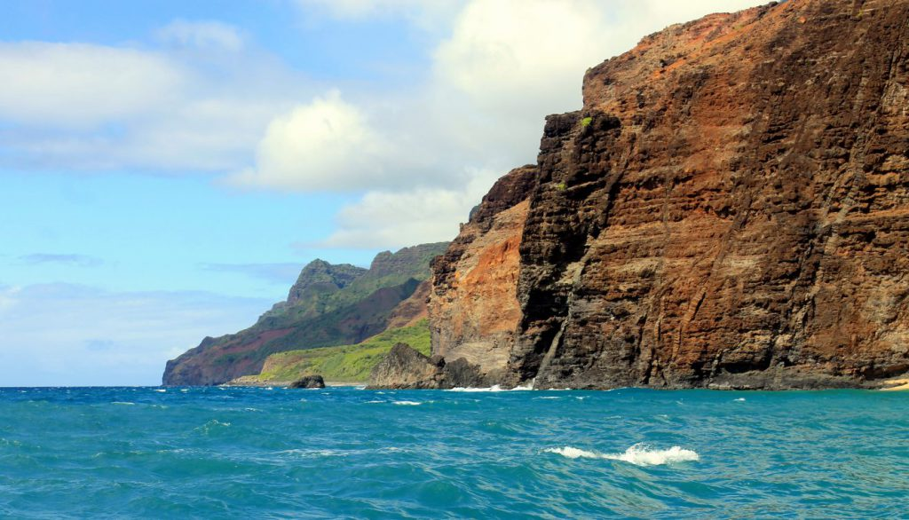 Napali coast boat tour | Footsteps of a Dreamer