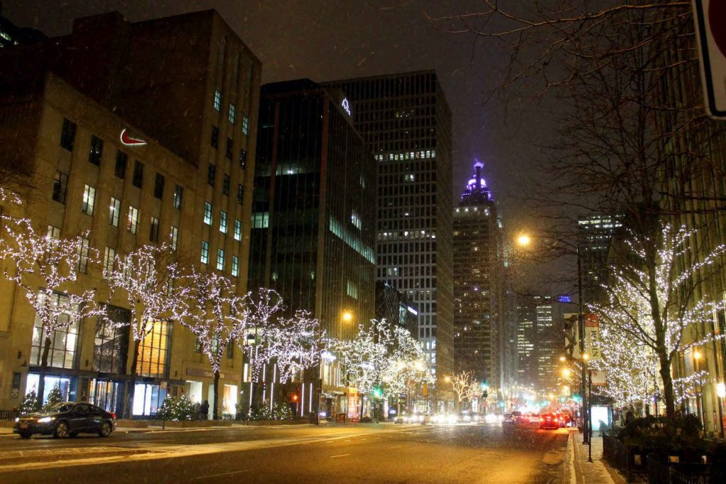 Chicago Magnificent Mile | Footsteps of a Dreamer