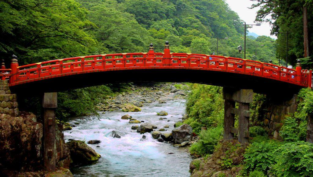 Things to do in Nikko Japan: Shinkyo Bridge | Footsteps of a Dreamer