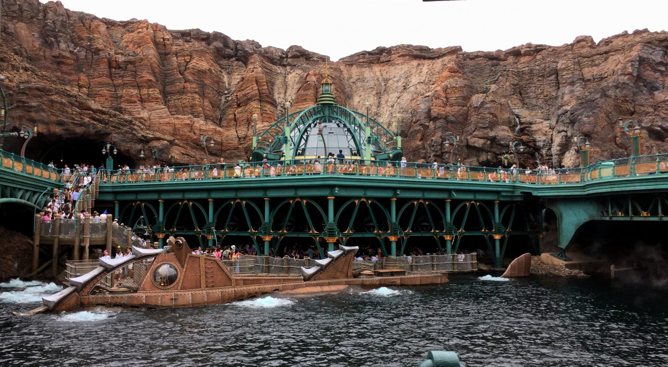 Tokyo DisneySea's 20,000 Leagues Under the Sea | Footsteps of a Dreamer