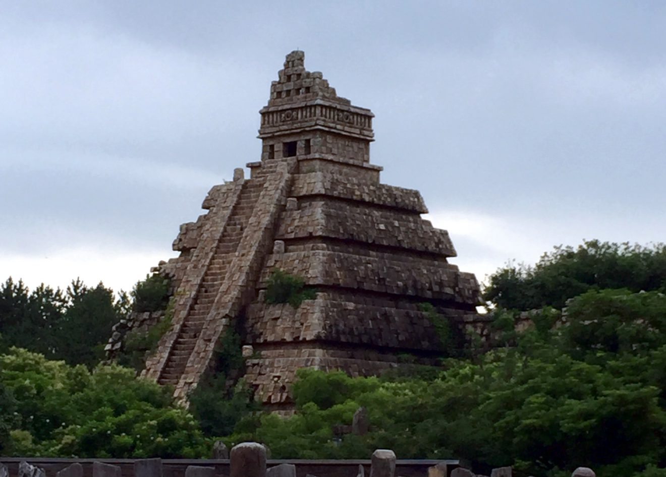 Tokyo DisneySea's Indiana Jones Adventure Temple of the Crystal Skull | Footsteps of a Dreamer