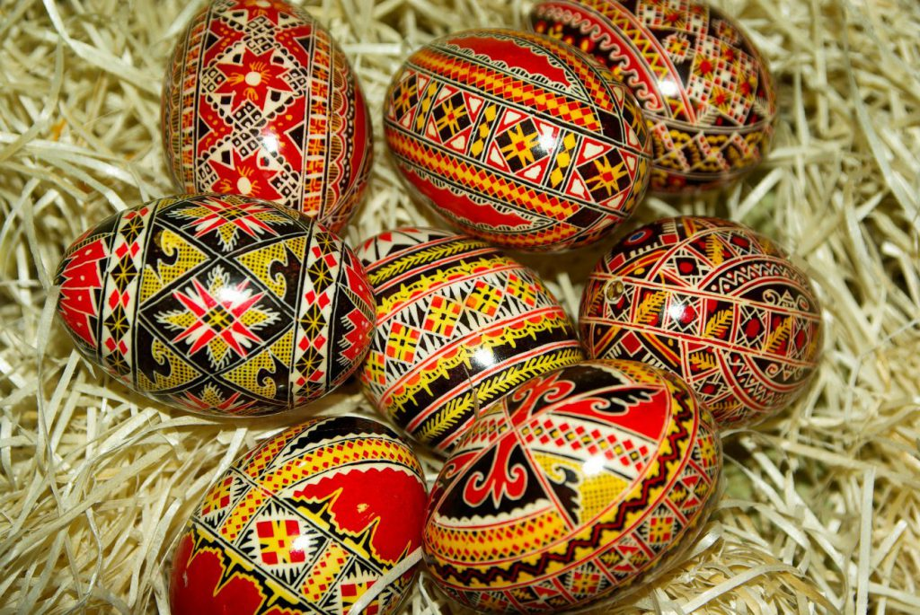 Easter Pashti in Romania | Footsteps of a Dreamer