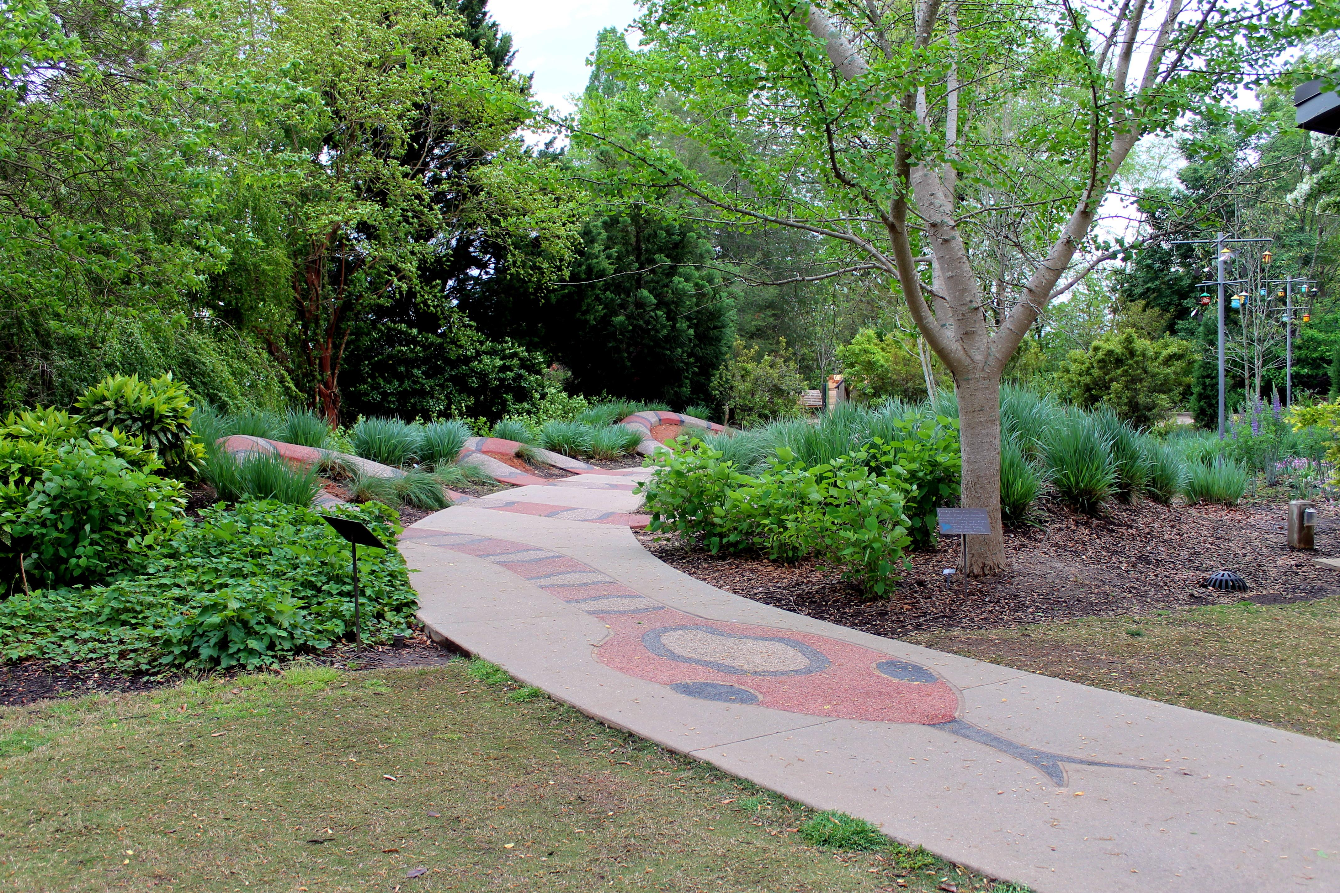 Lou Glenn Children's Garden