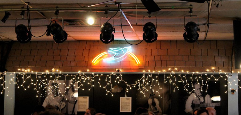 Inside Bluebird Cafe Nashville Tennessee | Footsteps of a Dreamer