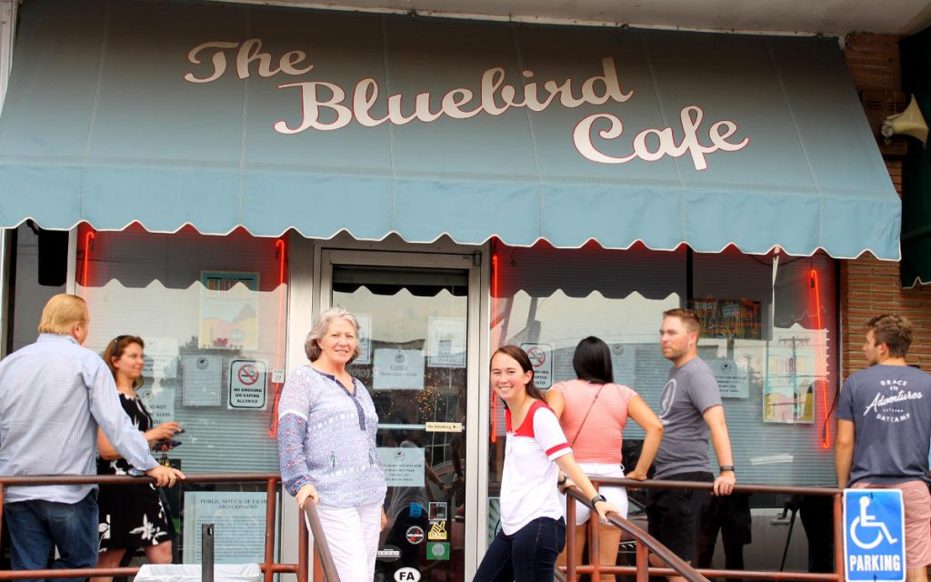 Outside Bluebird Cafe Nashville Tennessee | Footsteps of a Dreamer
