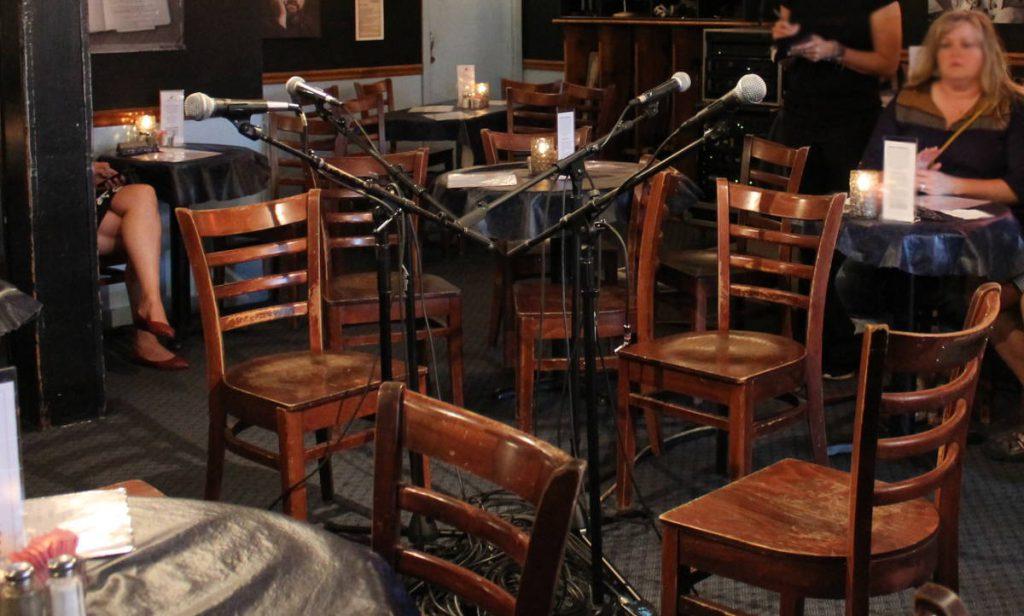 Inside Bluebird Cafe Nashville Tennessee | Footsteps of a Dreamer