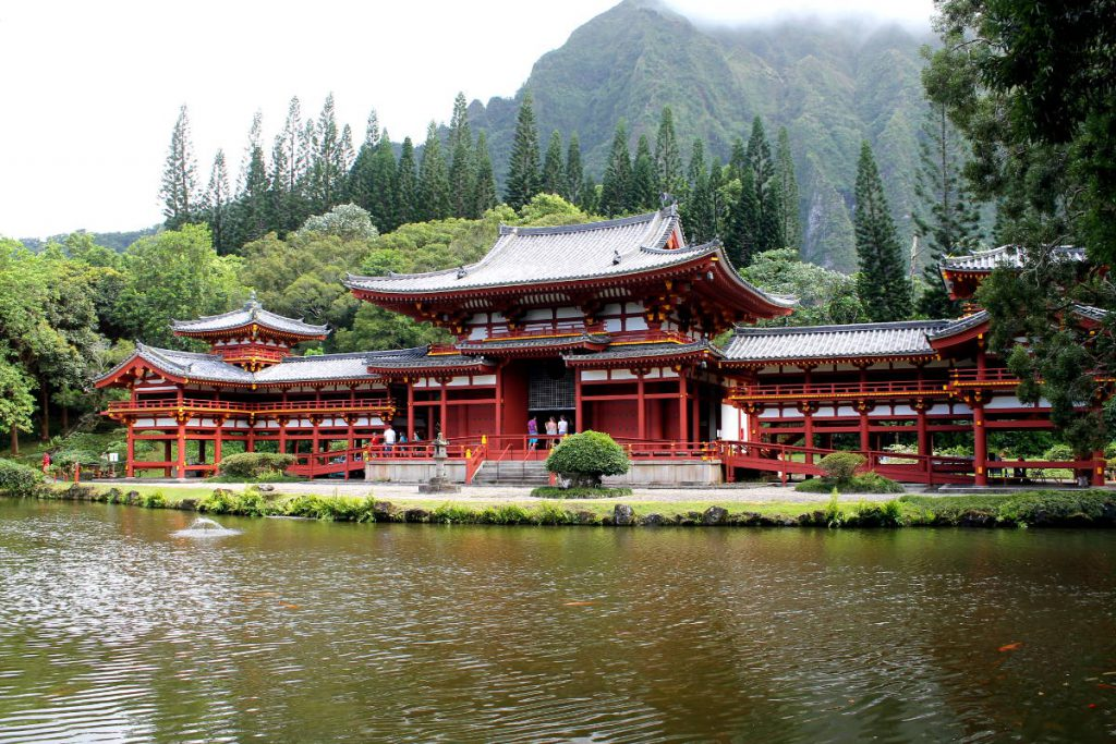 Byodo-in Temple | Footsteps of a Dreamer