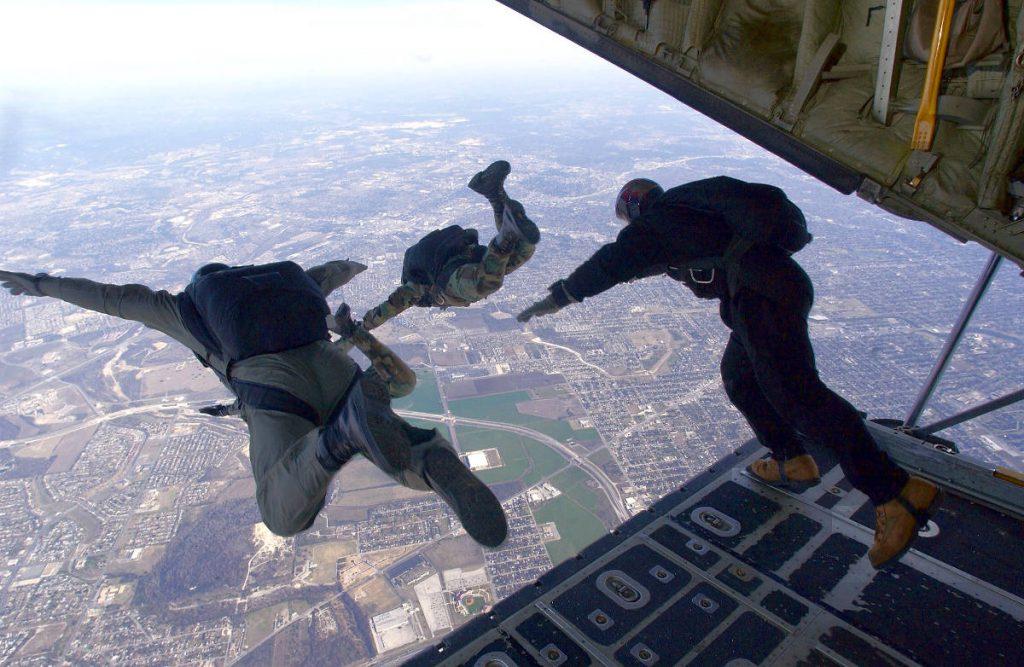 Skydiving | Footsteps of a Dreamer