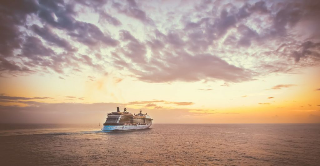 Sunset Dinner Cruise Maui Hawaii   Footsteps of a Dreamer