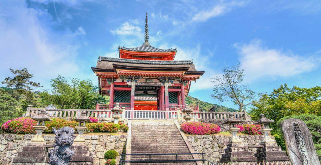 Kiyomizu-dera Kyoto | Footsteps of a Dreamer